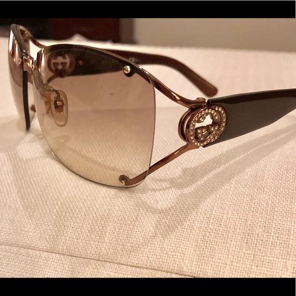 78974fcbe37 Gucci Accessories - Gucci Women s Sunglasses